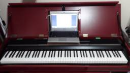 Piano Digital Korg SP 170
