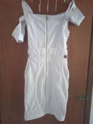 Vende-se vestido branco usado uma única vez