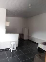 Casa com 03 quartos e total área de lazer em Itaipuaçu