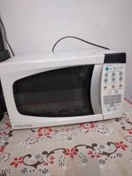 Vende-se microondas Eletrolux 200,00