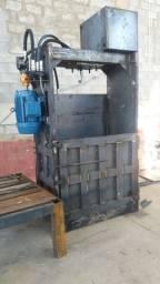 Prensa hidráulica para recicláveis