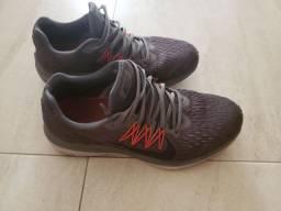 Tenis Nike Zoom Winflo T.42