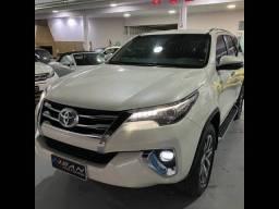 Toyota Hilux SW4 SRX 4x4 2.8