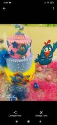 Painel galinha pintadinha e bolo fake