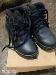 Sapato pontuação 24 por 35 reais