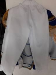 Vendo roupa da banda Fanfarra do colégio cmav
