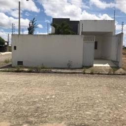 Ótima casa em Arapiraca, condomínio fechado.