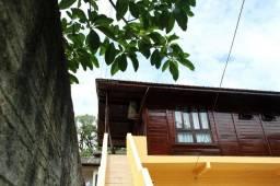 Alugo Apartamento 2 quartos mensal com varanda e vista para o Bairro