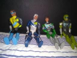Vendo bonecos Max Steel
