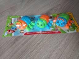 Brinquedos 3 por 20,00 reais...