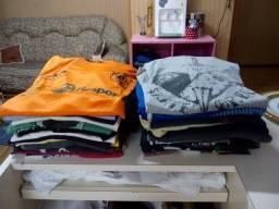 Vendo roupas usadas em boas condições limpas