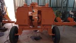 Máquina de descascar madeira