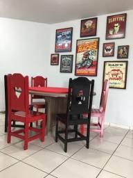 Mesa de Poker - 06 cadeiras temáticas com nipes