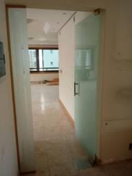 Vendo porta de vidro . porta de alumínio é box de banheiro usados