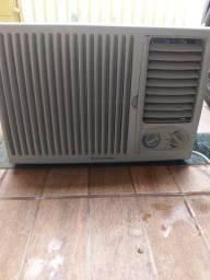 Ar condicionado Electrolux 7500 BTUs. 220