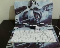 Capa com teclado para tablet
