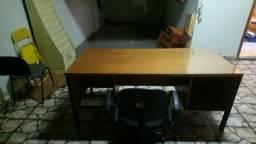 Vendo mesa de madeira para escritório