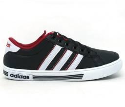 3b45ae0480e Tênis Adidas Daily K frete grátis