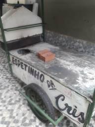 Vendo carrinho de churrasquinho.