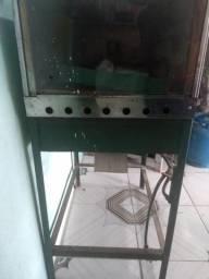 Vendo forno industrial funcionando perfeitamente valor 600 reais aceito cartão de crédito