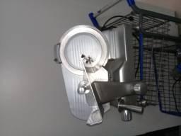 Maquina de cortar frios
