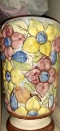 Vaso de  porcelana  relíquia ver descrições