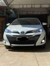 Toyota yaris 18/19 completo