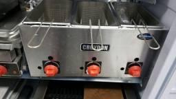 Fritadeira a gas 3 cestos croydon (nova) Alecs