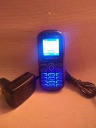 Celular Alcatel Pequeno Desbloqueado com carregador original - em Uberaba