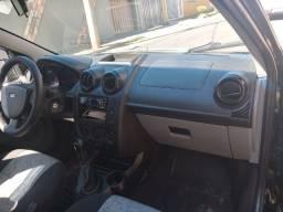 Oportunidade urgente, Fiesta sedan