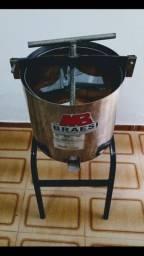 Prensa de torresmo inox. MB Braesi (BP -TI 300).