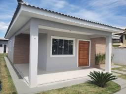 Bela casa em construção no condomínio Ubatã - Caxito!