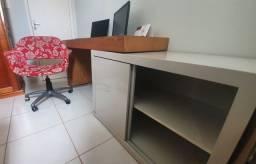 Mesa de Estudo com Armário e Cadeira