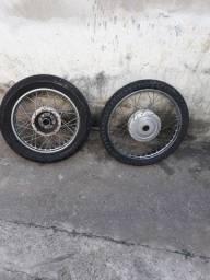 Roda honda Biz.com pneus usados.