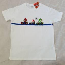 Camiseta branca Mario Kart Uniqlo 13
