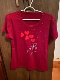 Camiseta com Pedrarias