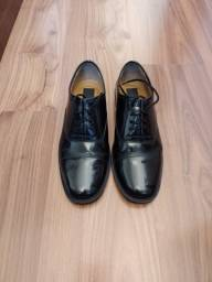 Sapato social estilo militar muito novo