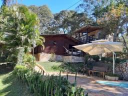 Linda casa em madeira em Águas Claras - Brumadinho