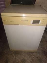 Máquina lava louças