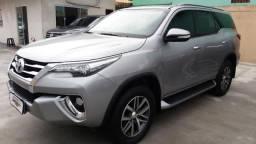 Toyota Hilux Sw4 Srx 2.8 Diesel 5P Automatica - 2016