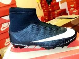 d6456a4782 PROMOÇÃO Chuteira society e futsal Nike Cr7 mercurial