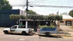 Carro e carreta para trabalho de jardinagen e poda de arvores