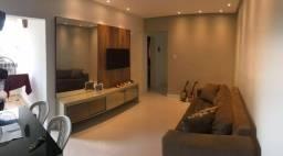 Apartamento reformado na Av. do Aririzal