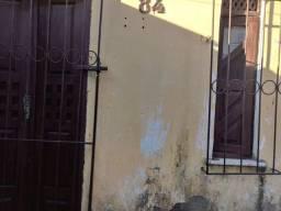 Alugo kitnet em vila no tomba 150 reais