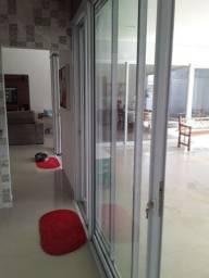 Serralheiro e instalador de esquadrias em aluminio  e vidros temperados
