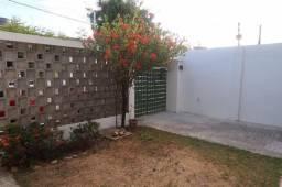 1009 - 03 Quartos - DCE - Terraço - 02 Pavimentos - Localizada no Ipsep