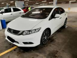 Honda Civic LXR 2014 sem datalhes.