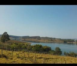 Terreno no Caquende com acesso a represa de camargos