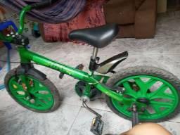 Vendo bicicleta do Hulk