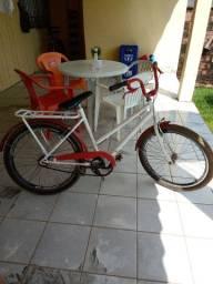 Uma bicicleta poti média